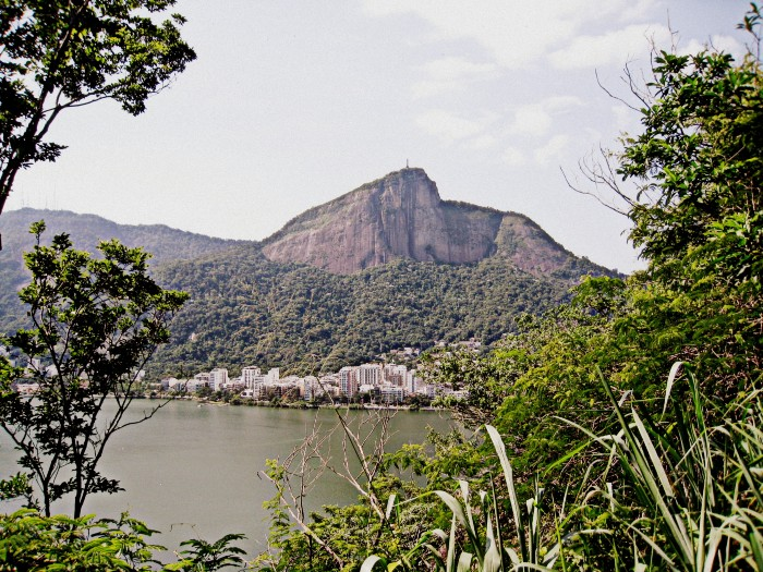 Morro do Corcovado ao fundo